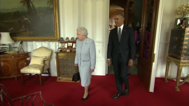 Barack Obama visit to Britian / EU Referendum Obama urges UK to remain in EU ENGLAND Berkshire Windsor EXT Various of US helicopters landing on the...