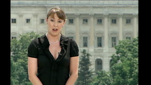 vidéos et rushes de barack obama wins democratic nomination; reporter to camera - nomination