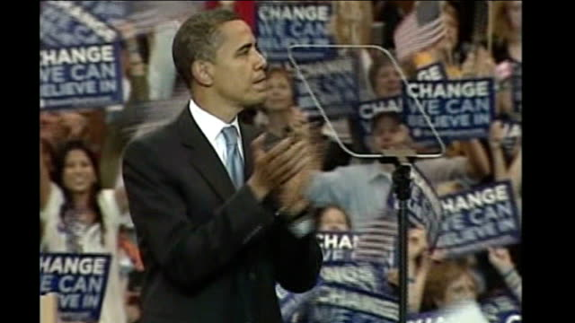 barack obama wins democratic nomination various of obama applauding obama and michelle 'punch' fists together michelle making 'thumbs up' sign to... - バラク・オバマ点の映像素材/bロール