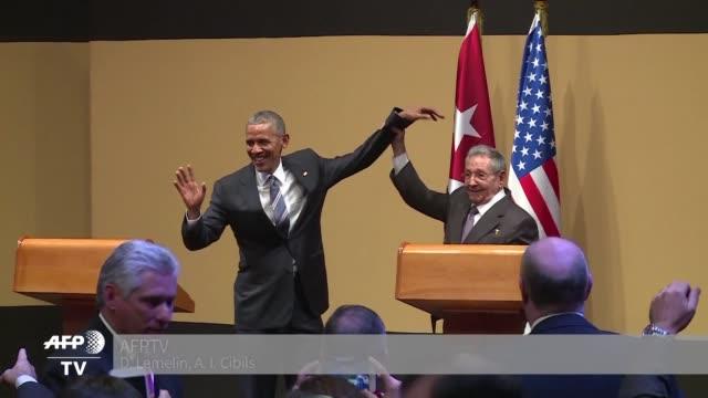 vídeos y material grabado en eventos de stock de barack obama y raul castro celebraron el lunes un nuevo dia en la relacion de estados unidos y cuba y se comprometieron a limar las diferencias que... - ee.uu