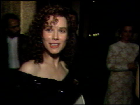 vidéos et rushes de barbara hershey at the 1989 academy awards ball at the shrine auditorium in los angeles, california on march 29, 1989. - 61e cérémonie des oscars