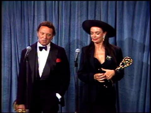 barbara steele at the 1989 emmy awards backstage at the pasadena civic auditorium in pasadena, california on september 17, 1989. - パサディナ公会堂点の映像素材/bロール