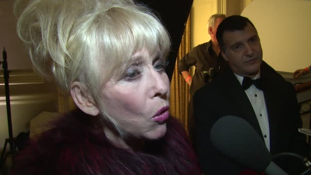 vídeos de stock e filmes b-roll de interview barbara windsor on amy her memories eastenders and i'm a celebrity at the amy winehouse foundation ball on 18th november 2014 in london... - eastenders