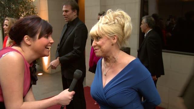 vídeos de stock e filmes b-roll de barbara windsor on taking a break form eastenders at the 2010 laurence olivier awards at london england - eastenders