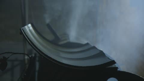 vídeos y material grabado en eventos de stock de barbecue grill smokes in backyard during j'ouvert - cocido a la parrilla