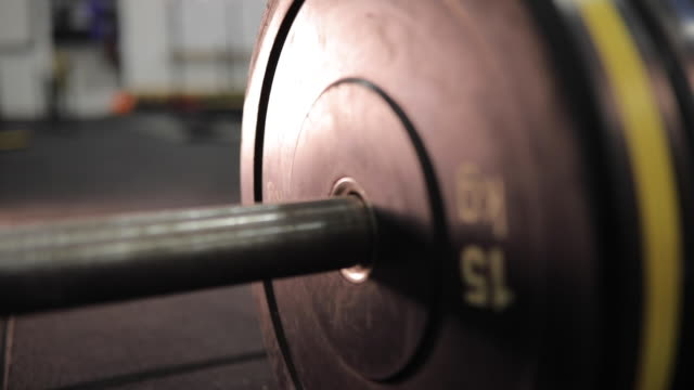 barbell at gym - dumbbell stock videos & royalty-free footage
