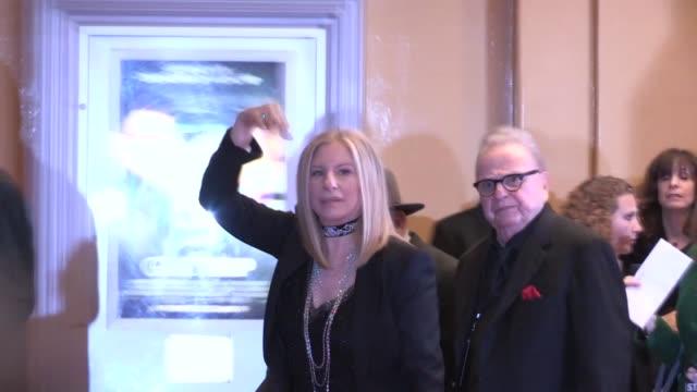stockvideo's en b-roll-footage met barbra streisand & james brolin enter the guilt trip premiere in westwood, 12/11/12 - barbra streisand