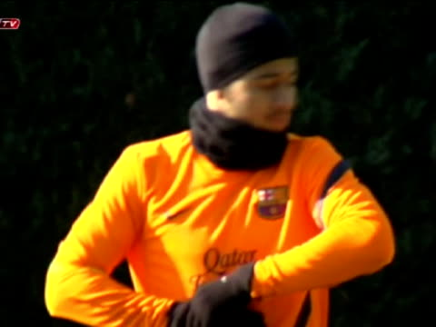 Barcelona 12 feb Barcelona will be flying to Leverkusen with 22 players including injured Sergio Busquets The team has been training at the Sports...