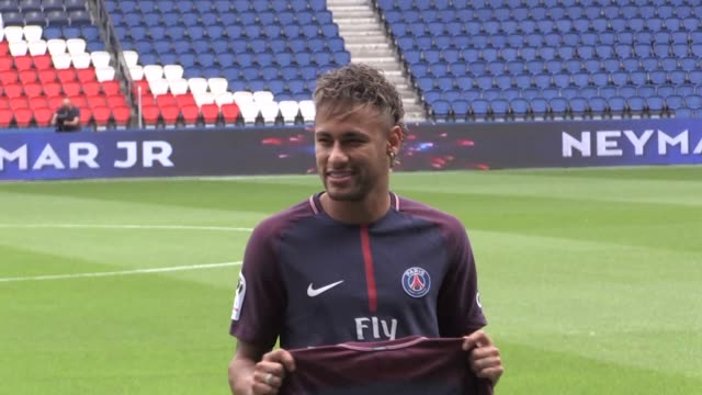 barcelona are seeking at least 85 million euros from neymar for breach of contract the club says following his world record 222 million euro move to... - neymar da silva stock-videos und b-roll-filmmaterial