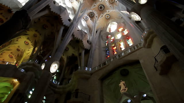 katalonien sagrada familia in barcelona - sagrada familia stock-videos und b-roll-filmmaterial