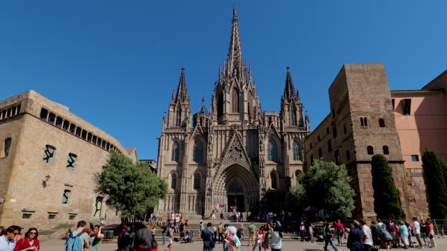 barcelona cathedral, barcelona, spain - kulturen stock-videos und b-roll-filmmaterial