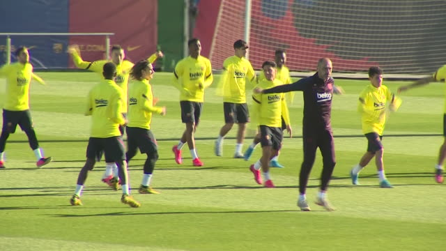 barcelona f.c's football players during the training, that takes place at ciutat esportiva one day before the football match against athletic club... - barcelona stock-videos und b-roll-filmmaterial