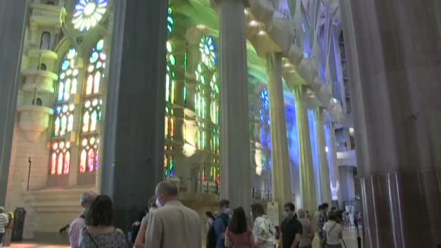 ESP: Barcelona's Sagrada Familia reopens for health workers