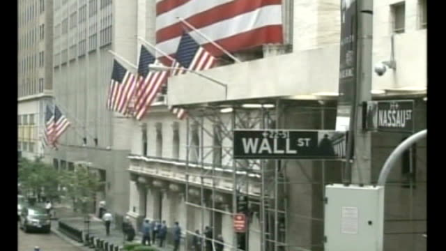 Barclays and Bank of America drop out of talks to save Lehman Brothers from bankruptcy USA New York Wall Street EXT General view of wall street SOT