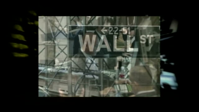 Barclays and Bank of America drop out of talks to save Lehman Brothers from bankruptcy GRAPHICISED SEQ Sign 'Wall St' / financial traders seated at...