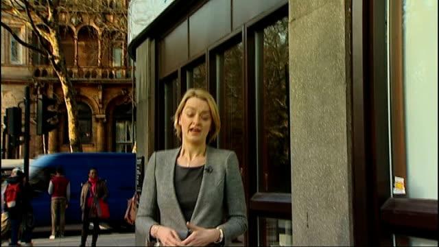 stockvideo's en b-roll-footage met barclays bank accused of tax avoidance reporter to camera - vermijden