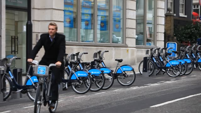 barclays bike hire scheme depot in london at the start of the cs7 cycling route, uk. - bicycle stock videos & royalty-free footage