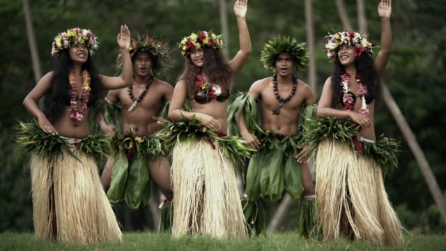 barefoot tahitian males in warrior dress french polynesia - headdress stock videos & royalty-free footage