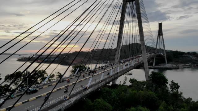 vidéos et rushes de barelang batam bridge. - indonésie