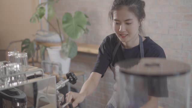 barista making a drink - mar stock videos & royalty-free footage