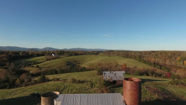 アメリカの田舎の納屋 - バージニア州点の映像素材/bロール