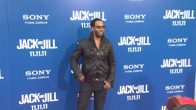 baron davis at the 'jack and jill' world premiere at westwood ca - ウェストウッド地区点の映像素材/bロール