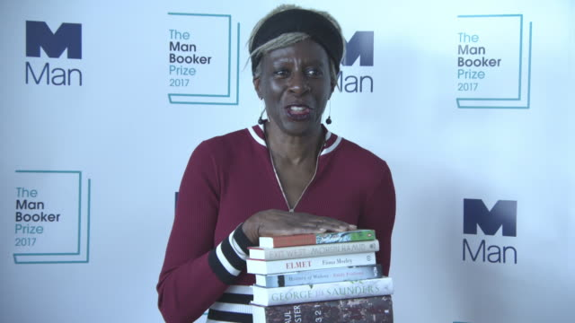 baroness lola young lila azam zanganeh sarah hall tom phillips colin thuborn at the man booker prize shortlist announcement on september 13 2017 in... - booker prize stock-videos und b-roll-filmmaterial