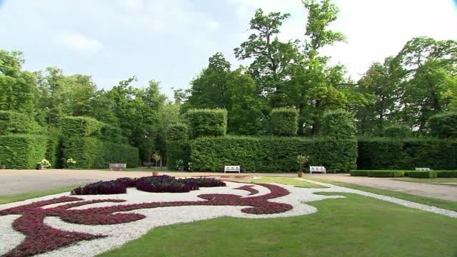 baroque garden in nieborow - plant pot stock videos & royalty-free footage