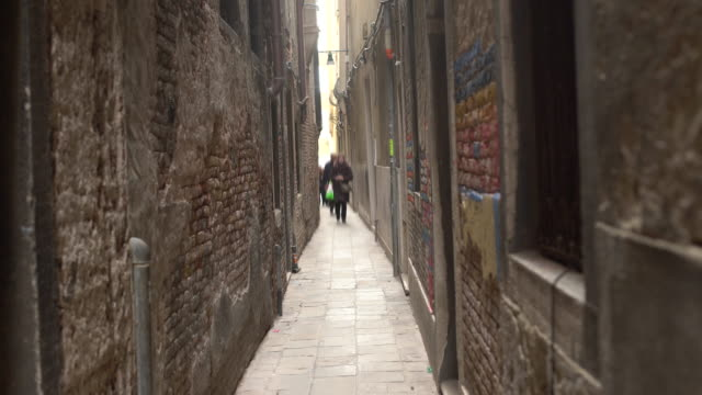 barri gotic in barcelona - gothic quarter barcelona stock videos and b-roll footage