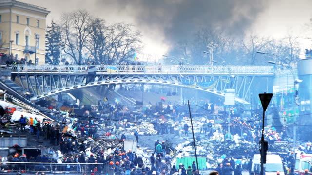 Absperrungen nicht passieren dürfen nahe dem Unabhängigkeitsplatz in Kiew, Februar 2014
