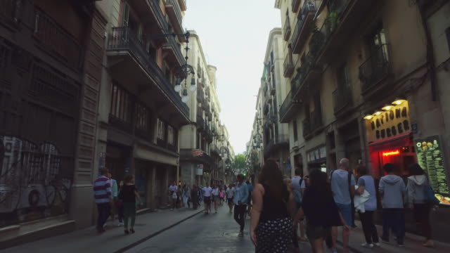 barrio gotico, city life in barcelona, spain - gothic quarter barcelona stock videos and b-roll footage