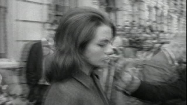 Barrister Lord Jeremy Hutchinson QC dies aged 102 G ITN009 / The 1963 Collection via T10030638 London EXT Christine Keeler away from court building...