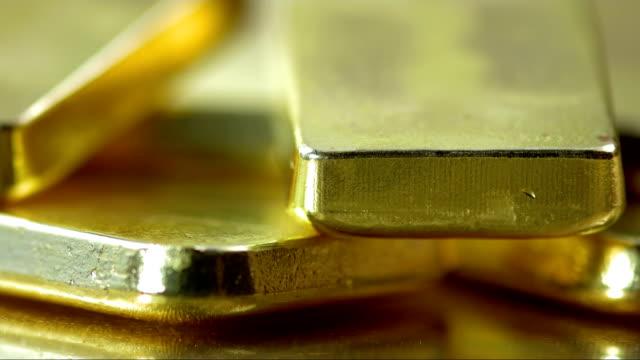 bars in gold - barren geld und finanzen stock-videos und b-roll-filmmaterial