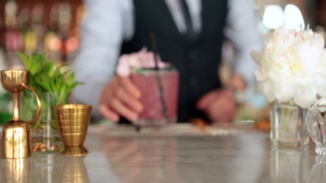 bartender making cocktails - cocktail stock videos & royalty-free footage