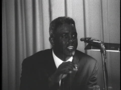 stockvideo's en b-roll-footage met baseball hall of famer jackie robinson addresses the audience of the 1962 mississippi state conference of the naacp - sport