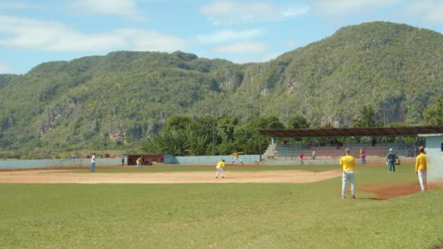 baseball match at vinales, cuba - 球技場点の映像素材/bロール