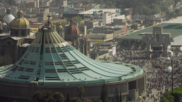 stockvideo's en b-roll-footage met basilica of our lady of guadalupe in mexico city - mexico stad