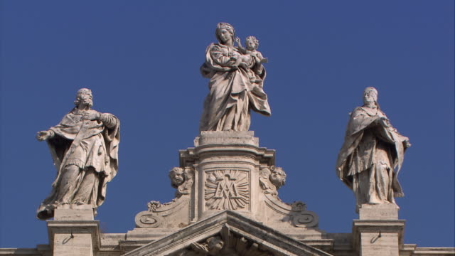 vídeos y material grabado en eventos de stock de basilica of s.mary major, rome - figura femenina