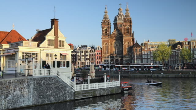 basilica of st. nicholas, amsterdam, netherlands, europe - tre quarti video stock e b–roll