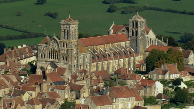 aerial ws basilique ste-madeleine and surrounding buildings / vezelay, france - circa 12th century stock videos & royalty-free footage