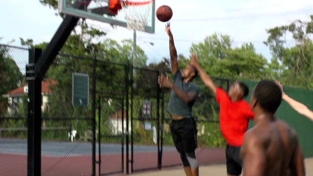 vidéos et rushes de jumpshot basketball multi vidéo - terrain de jeu