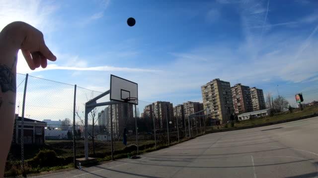 stockvideo's en b-roll-footage met basketball player playing basketbal - minder dan 10 seconden