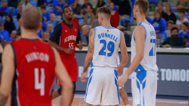 basketball players during the game - スポーツ競技点の映像素材/bロール