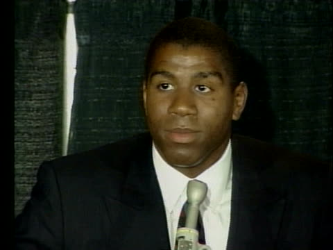 basketball standout magic johnson announces that he has the hiv virus and will be retiring from the lakers, and gives details about his future plans. - マジック・ジョンソン点の映像素材/bロール