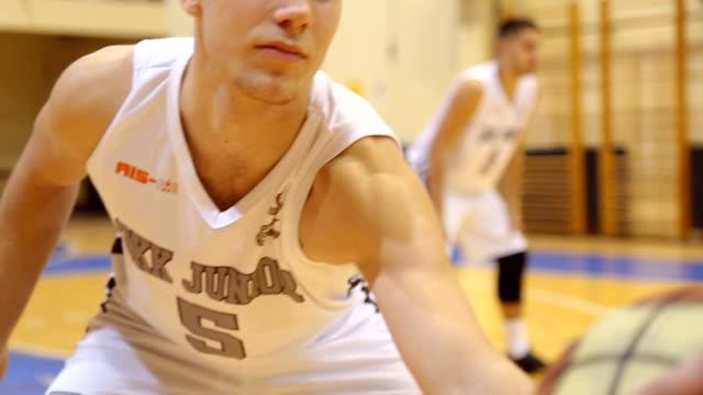vídeos de stock e filmes b-roll de basketball time - etapa desportiva