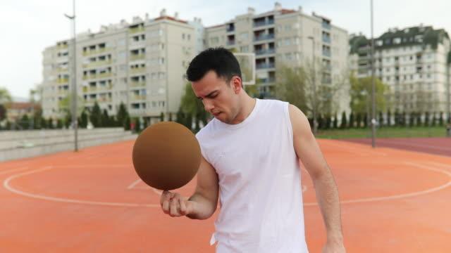vídeos de stock e filmes b-roll de basketball tricks - alegria