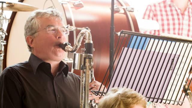Bass Clarinette Joueur d'orchestre