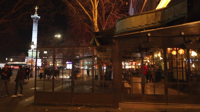 bastille district bar after the exceptional closing at midnight paris march 14 2020 after french prime minister edouard philippe announced that... - bastille stock-videos und b-roll-filmmaterial