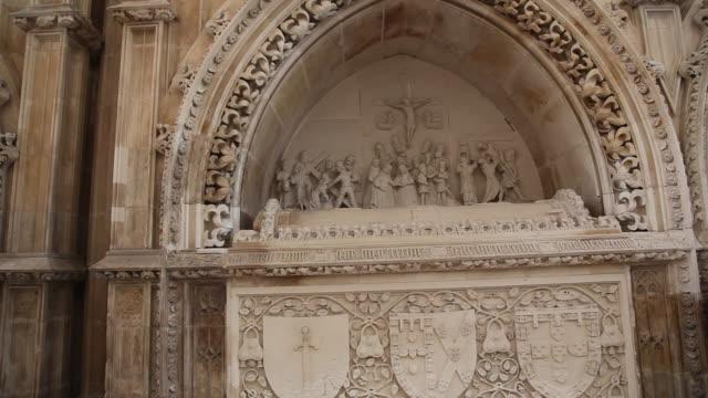 batalha monastery (mosteiro de santa maria da vitoria de batalha) founders chapel, tombs - batalha abbey stock videos & royalty-free footage