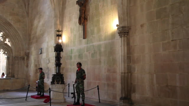 batalha monastery (mosteiro de santa maria da vitoria de batalha), the chapter house, national memorial of the unknown soldier for the portuguese heroes of the first world war - leiria district stock videos & royalty-free footage